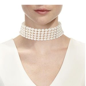 Chanel pearl choker necklace permanent collection